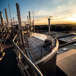 Vue de l'usine Ovade depuis le haut du digesteur, photo Tiru