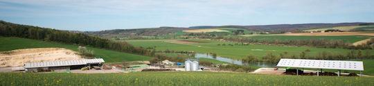 Vue sur la vallée de la Meuse depuis la plateforme Piskorski de Brieulles-sur-Meuse, photo Piskorski