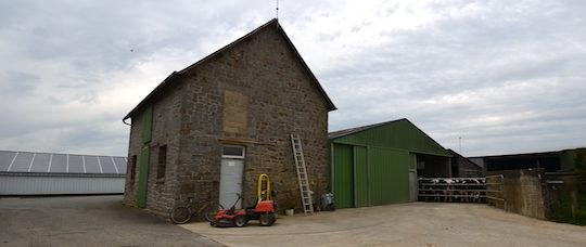 Exploitation agricole du GAEC Blanchelande à Fougerolles-du-Plessis en Mayenne, photo Frédéric Douard
