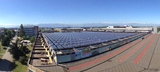 L'usine L'Oréal de Settimo Torinese et sa centrale photovotaique, photo L'Oréal Italia