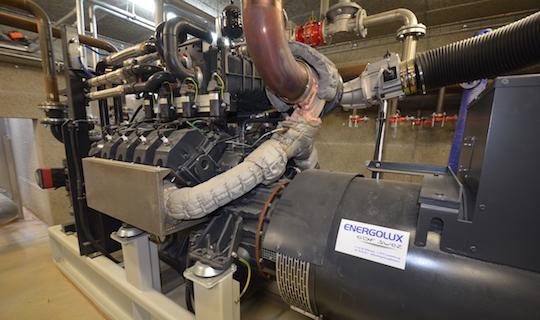 Le moteur de cogénération des Ets Fertiwatt à Fougerolles-du-Plessis en Mayenne, photo Frédéric Douard