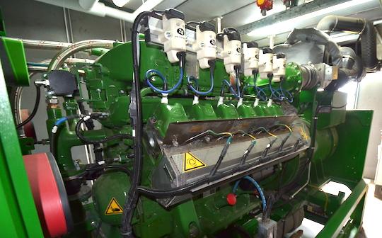 Le moteur de cogénération 2G MAN V12, photo Frédéric Douard