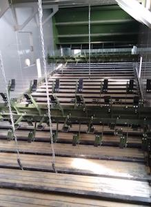 Vue du tapis métallique du séchoir Alvan Blanch avant sa mise en service, photo Y. Perreault