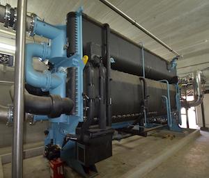 Le groupe à absorption pour la production d'eau froide pour Ajinomoto, photo Frédéric Douard