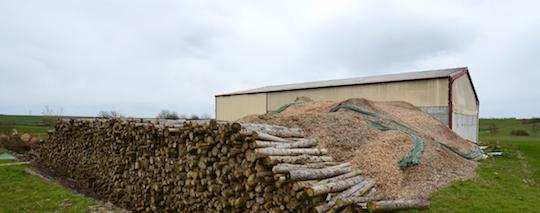 Le hangar de séchage et stockage d'Agribois à Montbrehain, photo Frédéric Douard