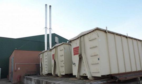 Les silos-conteneur pour l'alimentation de la chaudière, photo ALEC 27