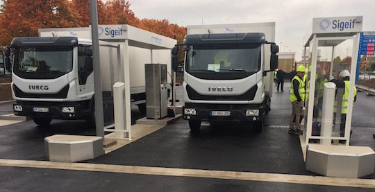 Avitaillement de camions à la station GNV et BioGNV de Bonneuil-sur-Marne, photo Endesa