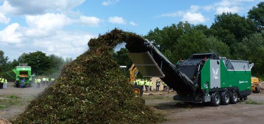 Démonstration lors des journées compostage et bois-énergie Hantsch 2011 chez TEVA, photo Frédéric Douard