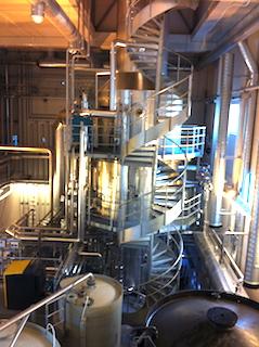 La tour de distillation de l'installation de traitement des digestats de l'usine de méthanisation Ege Biogass en Norvège, photo France Evaporation