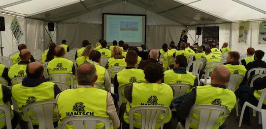 Les journées Hantsch sont ponctuées de conférences comme ici en 2011 chez Teva, photo Frédéric Douard