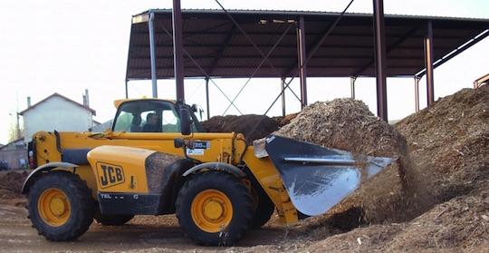 Chargeur pour le remplissage du silo, photo Vitry Habitat