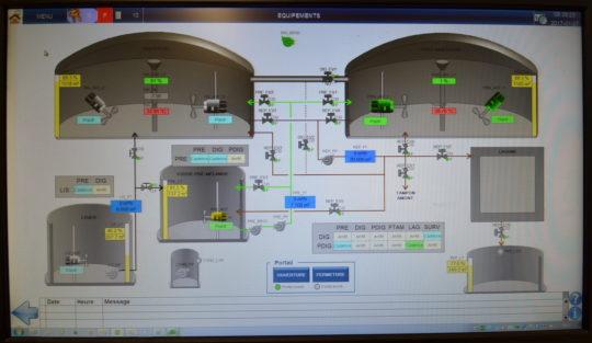 Ecran de supervision de la méthanisation, photo Frédéric Douard - Cliquer sur l'image pour l'agrandir.