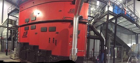 La chaudière Compte R. de 8 MW à rafle de maïs chez KWS à Corps-Nuds près de Rennes, photo Compte R.