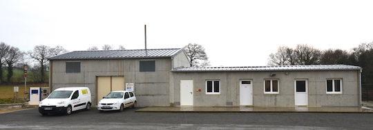 Le bâtiment administratif, électrique et hydraulique des Energiculeurs de l'Oust, photo Frédéric Douard