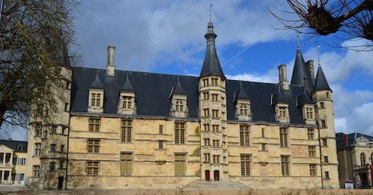 Le château de Nevers, photo Frédéric Douard