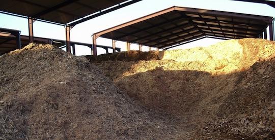 Stockage couvert de combustible, photo Vitry Habitat
