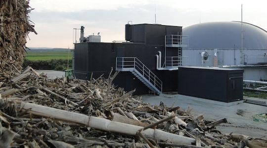Le module d'explosion vapeur des intrants est installé sur trois étages de conteneurs sur le site de Parndorf en Autriche, photo BS