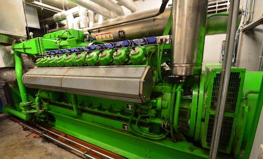 Le moteur de cogénération d'Agrivalor, photo Frédéric Douard