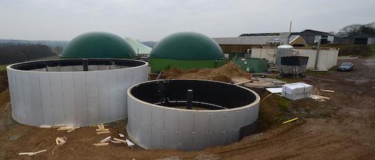 Les installations de méthanisation de la SCEA Ropert à Bréhan, dans leur seconde phase de construction fin janvier 2017, photo Frédéric Douard