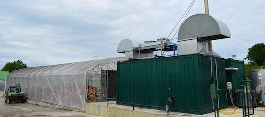 Séchage de bois-énergie à la centrale de cogénération de Clottes Biogaz, photo Frédéric Douard