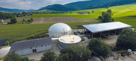 Installation de méthanisation d'Agri Bio Val SA à Fleurier, photo Aide Suisse aux Montagnards