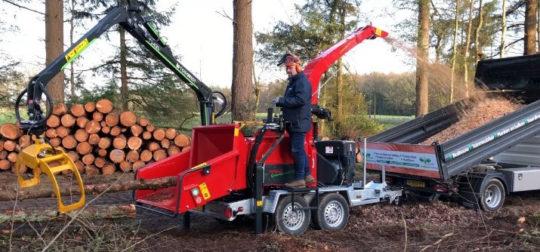 La déchiqueteuse de bois Cheetah 30/80 Ukes Greentec pour les petits chantiers