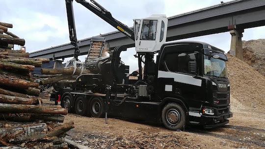 Pezzolato livre un camion-déchiqueteuse de bois PTH 1000/1000 au Danemark