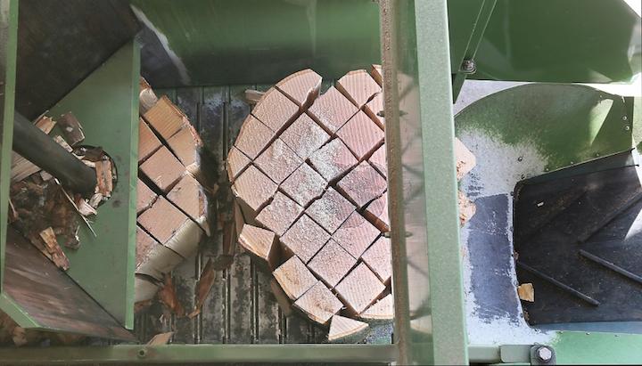 La scie-fendeuse de bûches TM 1200+TB 900 Pezzolato pour les bois de gros diamètre