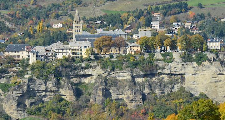 Embrun et Serre-Ponçon, les collectivités moteur d'une économie locale du bois-énergie
