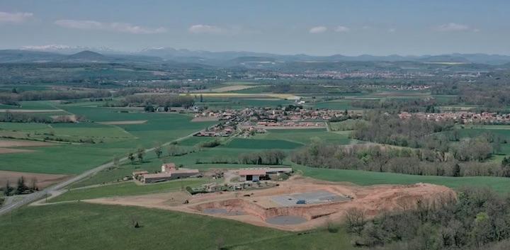 La construction de l'unité de méthanisation Deloche Biogaz en images aériennes